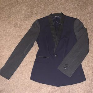 TV PRODUCER selling cute blazer